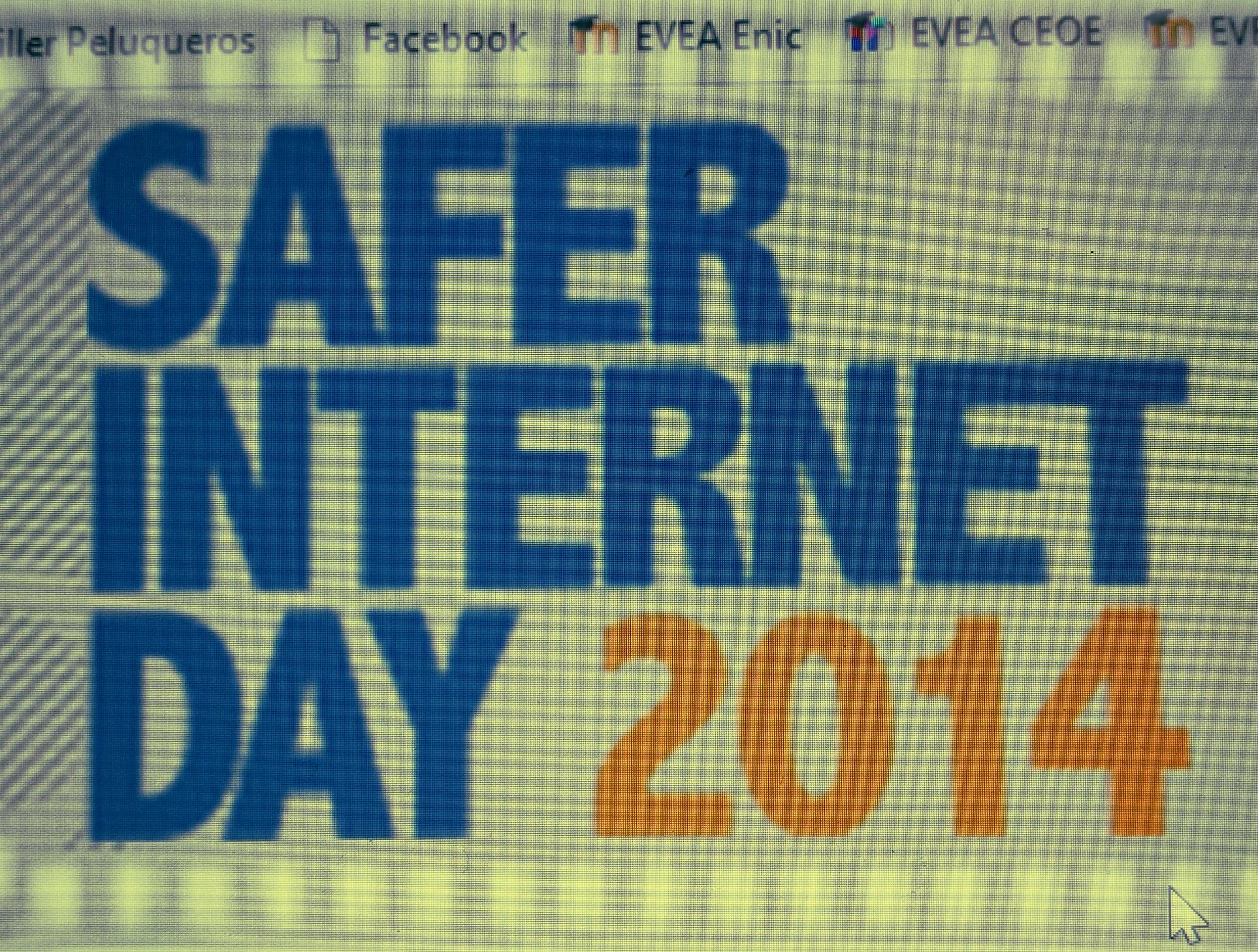 Internet seguro. Educar y concienciar frente a controlar y fiscalizar.