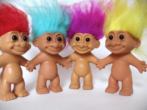 Yo troleo, tu troleas, ellos trolean. #Concepto